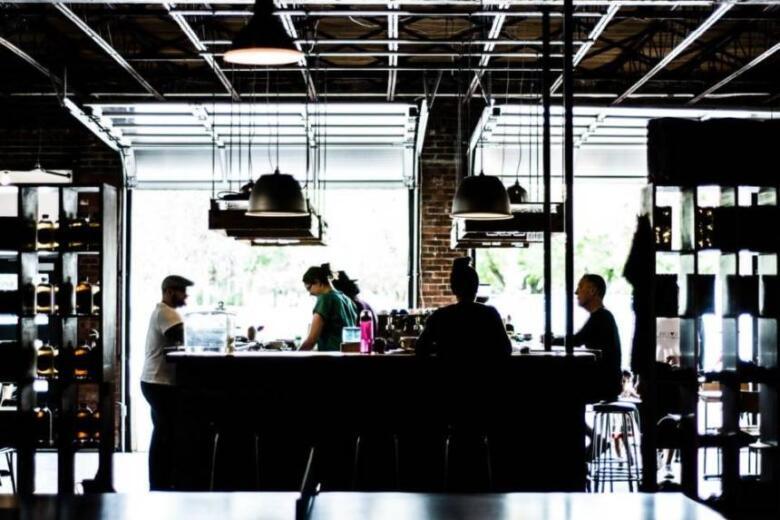 フリーランスとアルバイトの違いは5つ!メリット&デメリットを比較