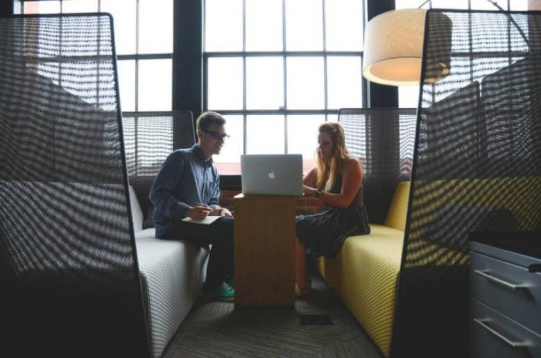 フリーランスと起業の違いは大きく3つ!メリット・デメリットを比較