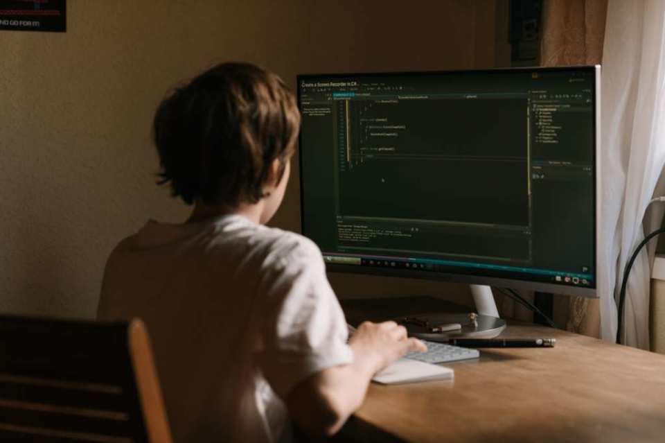 プログラミングが体験できるおすすめサイト4選