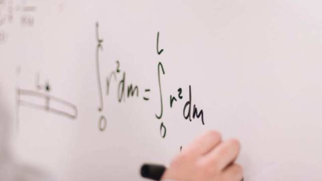 数学の知識があると有利なプログラミングの分野